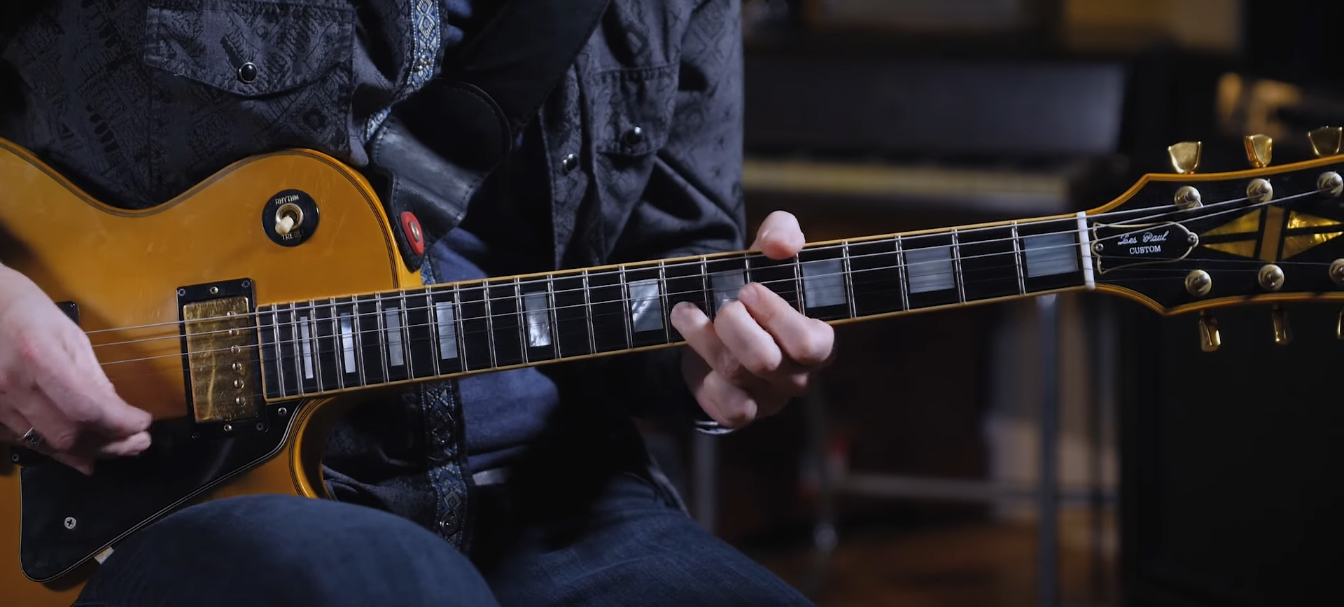 Learn to play: Albert King riffs in standard tuning