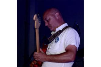 Pedro-Amorim-Private-Investigations-Dire-Straits-Blog-Video-2-DSB-Acoustic-Cover-Version