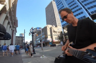 """Where Do You Think You're Going"" – Guitarist Plays Extended Jam Tribute to Mark Knopfler"