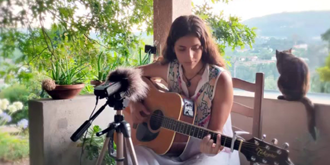 """Iron Hand"" – Acoustic Dire Straits Cover by Anabela Silva"