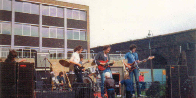 July 9, 1977 – Dire Straits had Their First Ever Gig (Video)